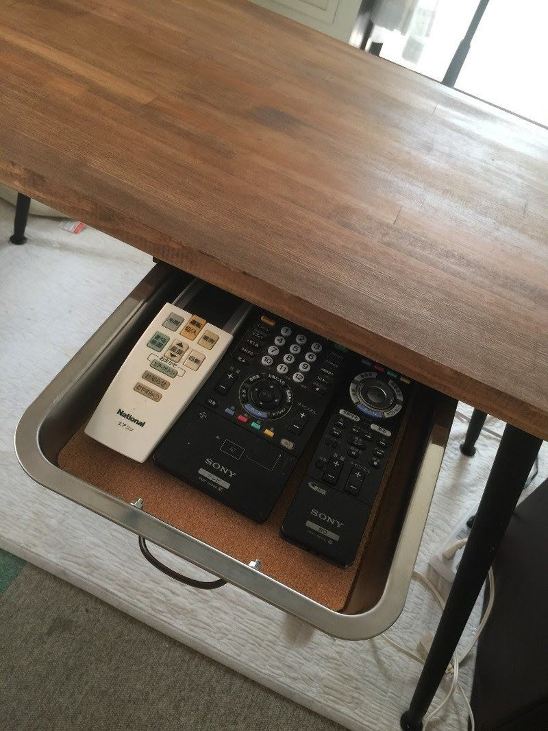 ちょっとした引き出しが欲しい 引き出しのないテーブルに100均グッズで引き出しを作りました 木材加工 簡単な木工プロジェクト リビング Diy 100均