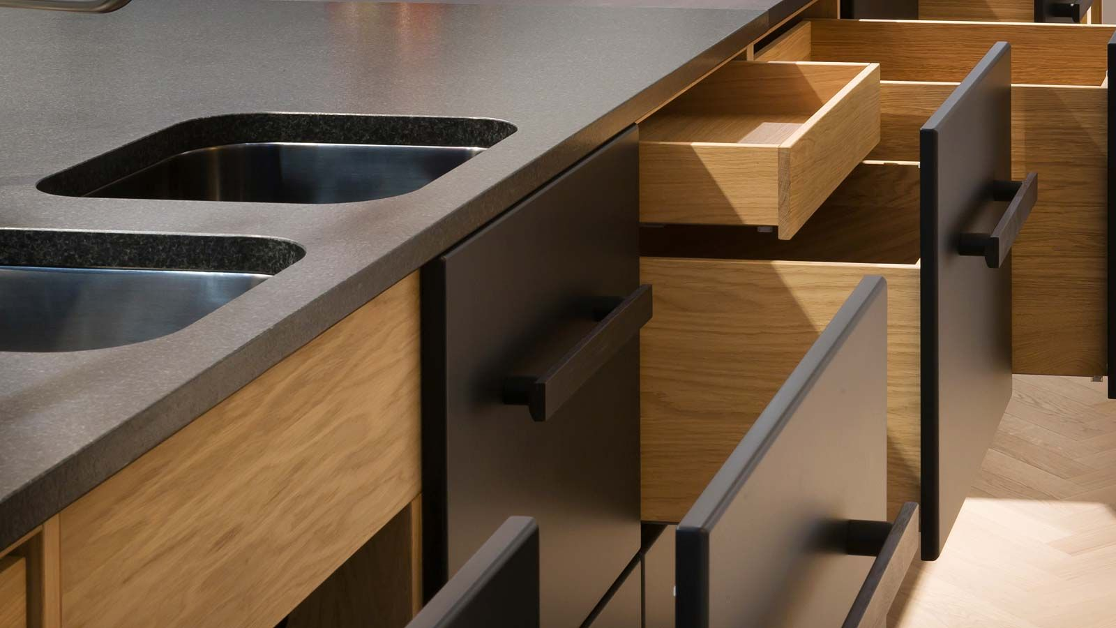 DER RAUM Möbel aus Berlin Moderne küche