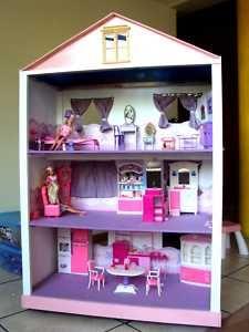 Groovy girl dollhouse?