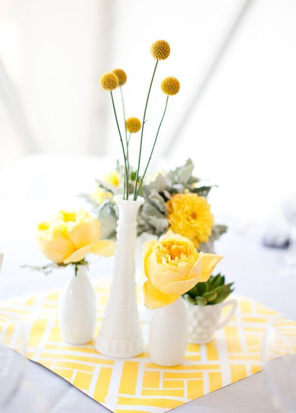 10 Simple Flower Centerpieces For Mothers Day Brunch Pantone