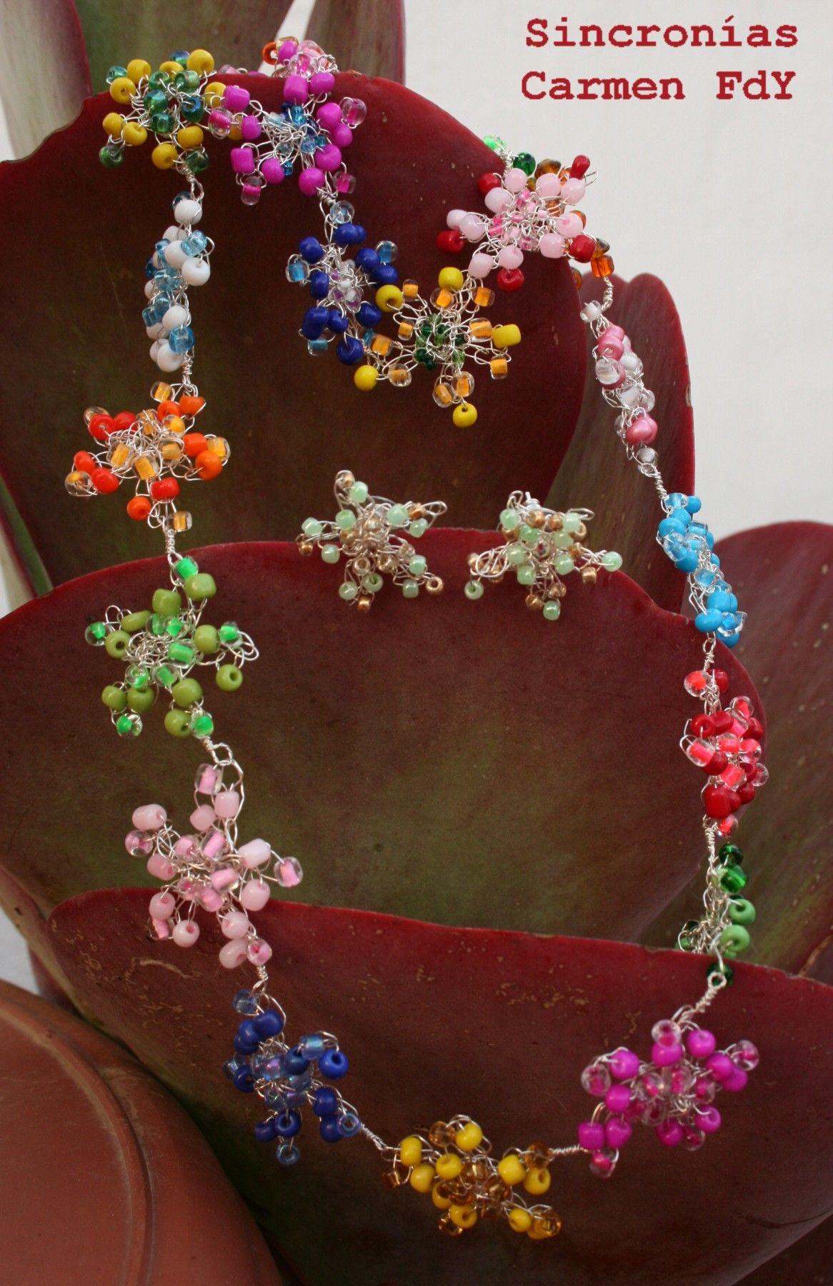 Conjunto Primavera.  Pulsera, collar, pendientes y muuuuuchos colorines.