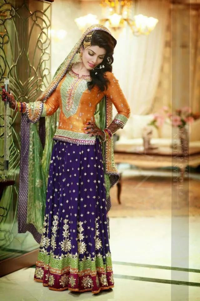 Mehndi Outfits For Guests : Pin by fatimah hayat on pakistani couture pinterest