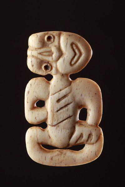 Carved Whalebone Hei Tiki Pendant 1800 To 1900 New Zealand Maori Tiki Maori Art