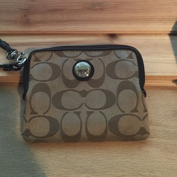 Coach Wristlet Been used a lot the inside is a bit dirty but still in fine condition! Coach Bags Clutches & Wristlets