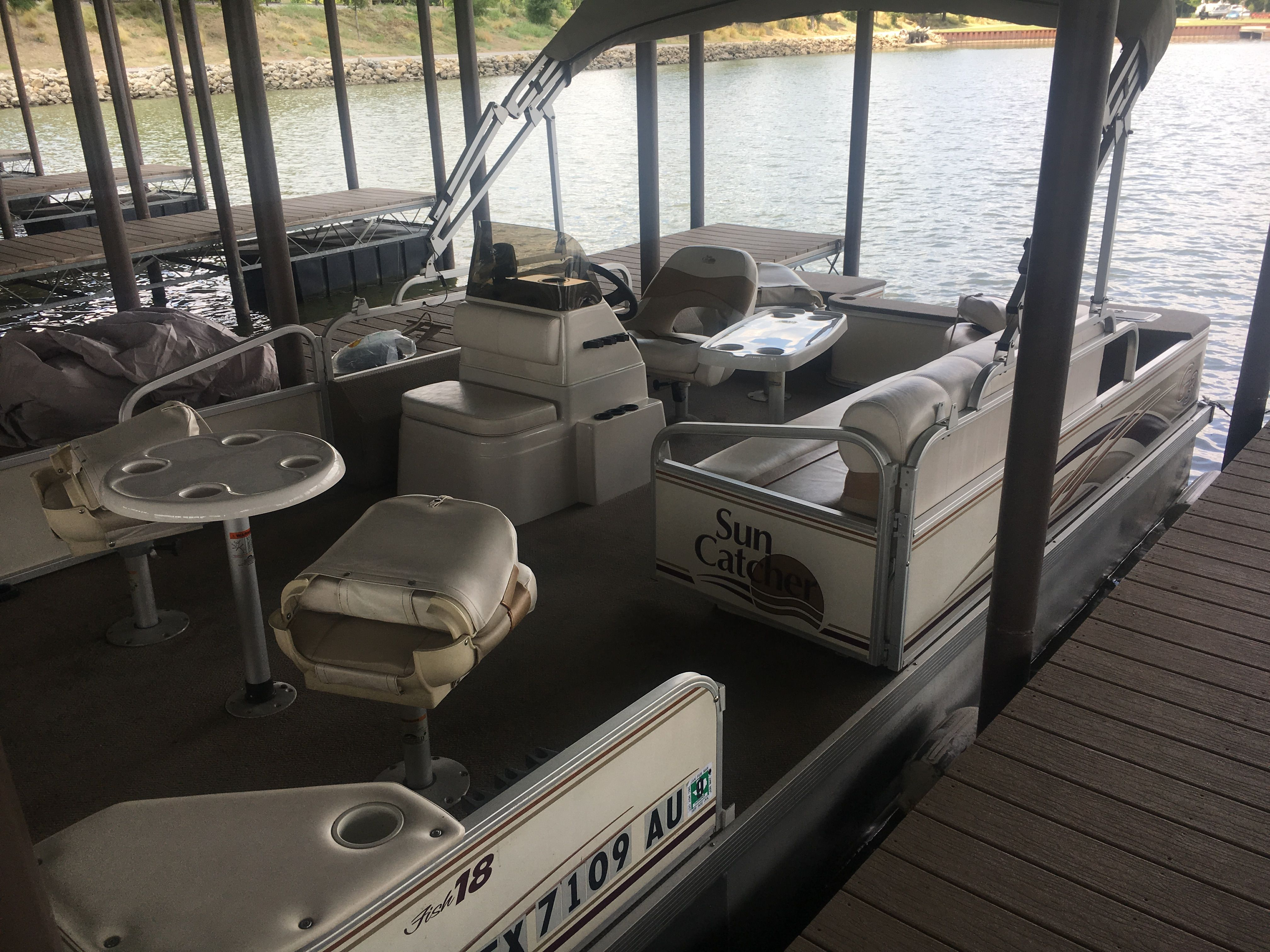 Dickeys barbecue barges at beacon hill on cedar creek