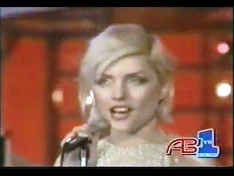 ▶ Blondie - One Way Or Another - YouTube