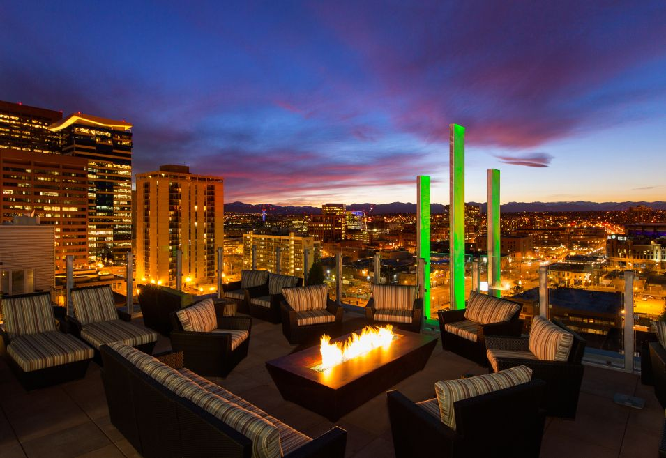 Rooftop Living : Downtown Denver Highrise Apartments At 2020 Lawrence