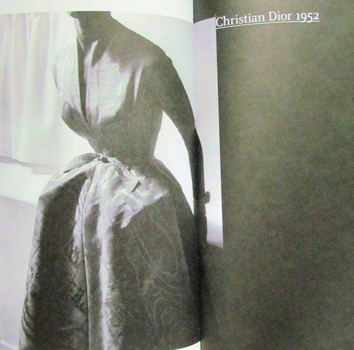 Dressmaker S Library Draping Art And Craftsmanship In Fashion Design Fashion Design Dressmaking Design