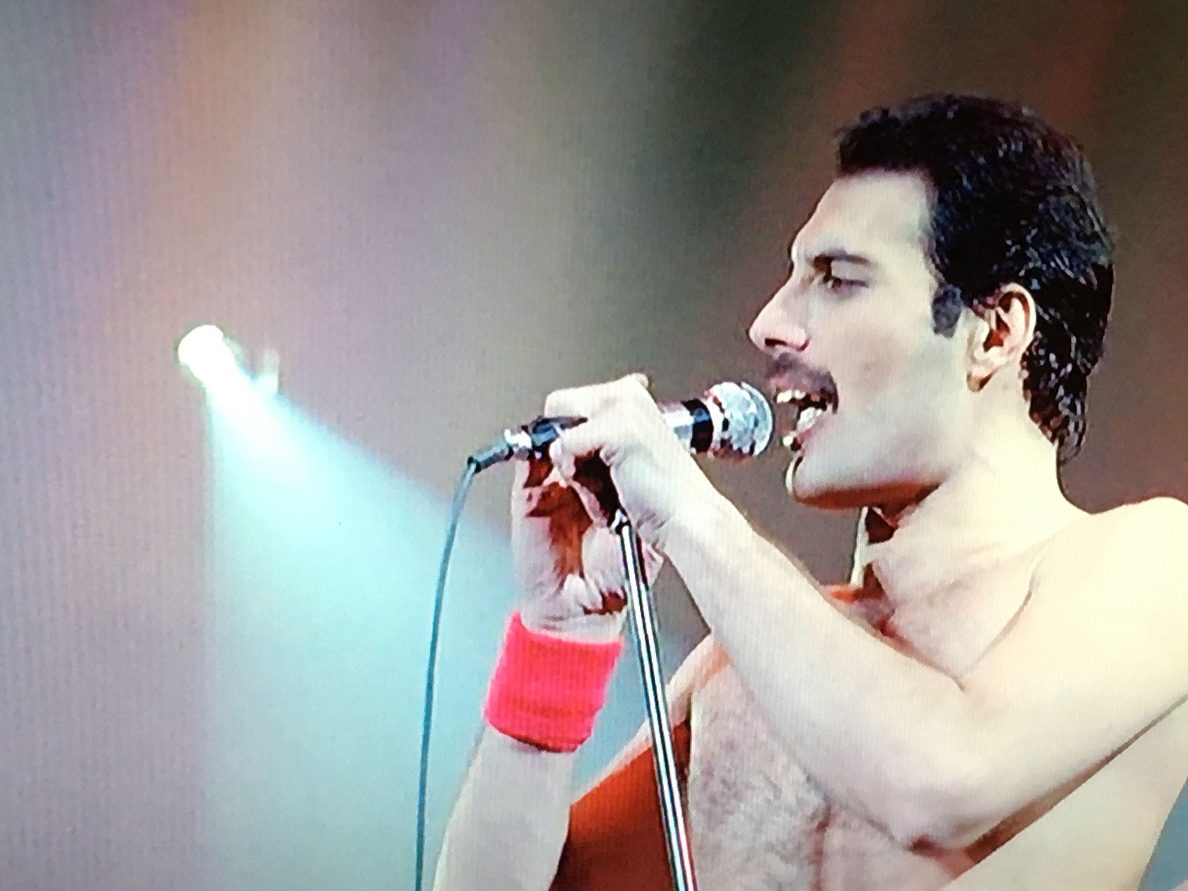 Freddie onstage in Montreal, 1981.