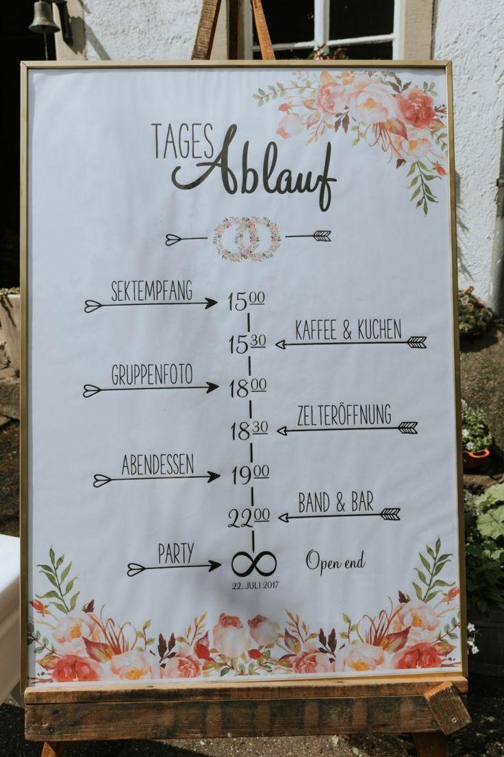 Mariage d'été coloré en corail Blog de mariage The Little Wedding Corner   – Sommerhochzeit, Hochzeit auf der Wiese