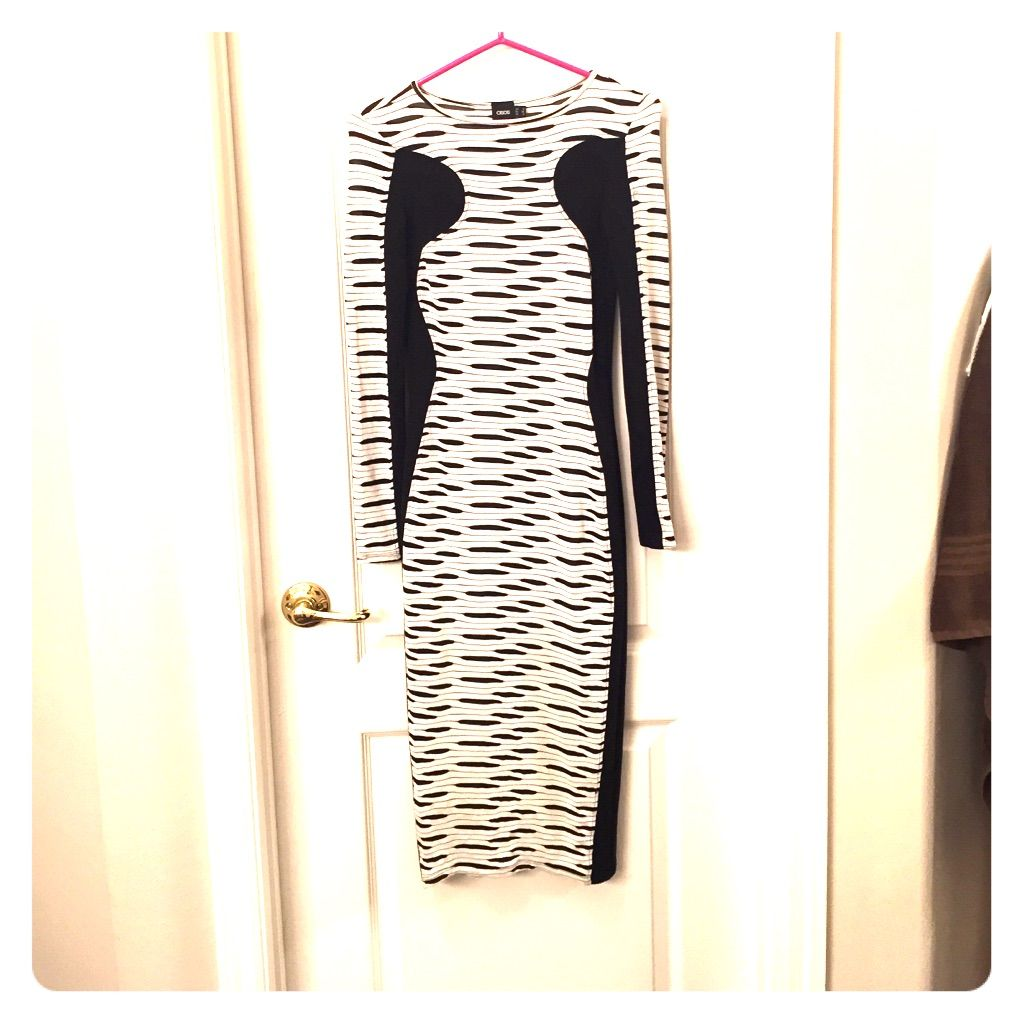 Asia form fittedm black and white dress products