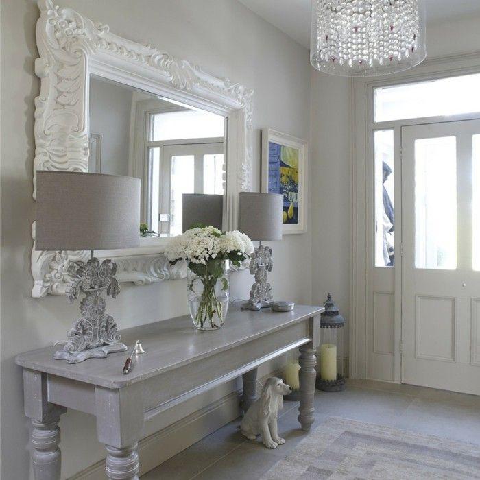 1001 gestaltungsideen f r flur optimale ausstattung flur einrichten wandspiegel und tischlampe. Black Bedroom Furniture Sets. Home Design Ideas