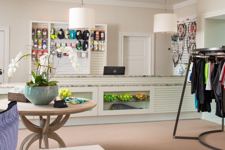 Brook Hollow Golf Club Tennis Pro Shop Mm A Retail Design Tennis Shop Golf Academy Golf Shop