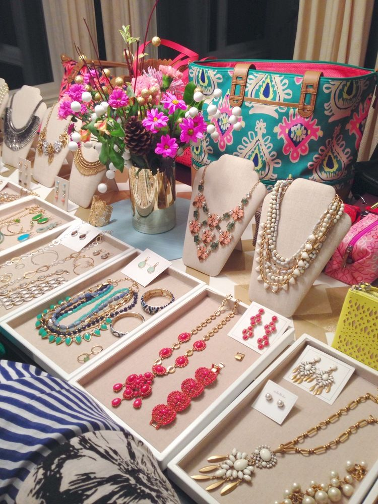 Host a Trunk Show Shop Fashion Jewelry Accessories Snacks