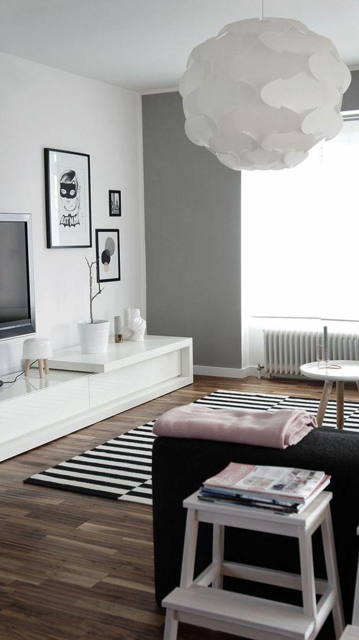 Wohnzimmerteppich Streifen Stilvoll Schwarzes Sofa Wohnwand