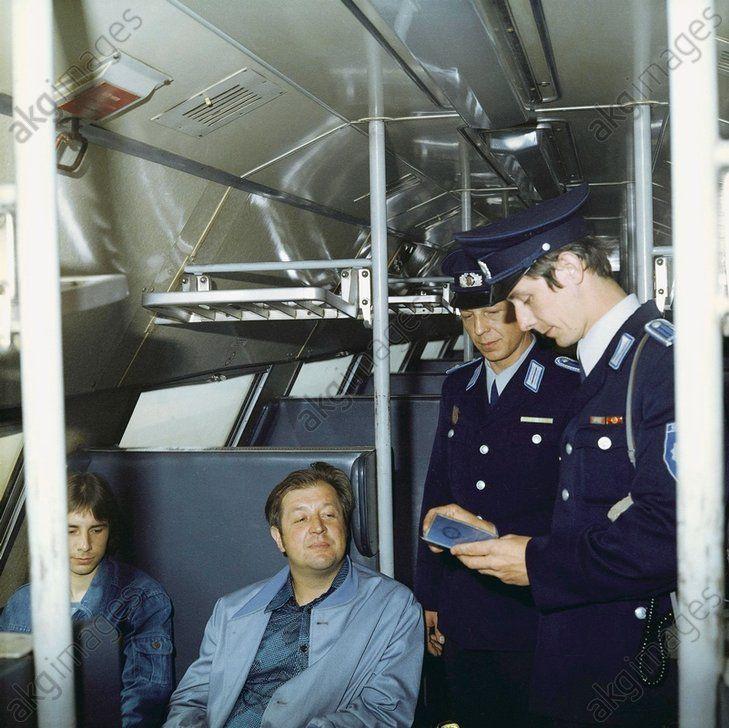 Transportpolizei der Deutschen Reichsbahn (Teil der DDR ...