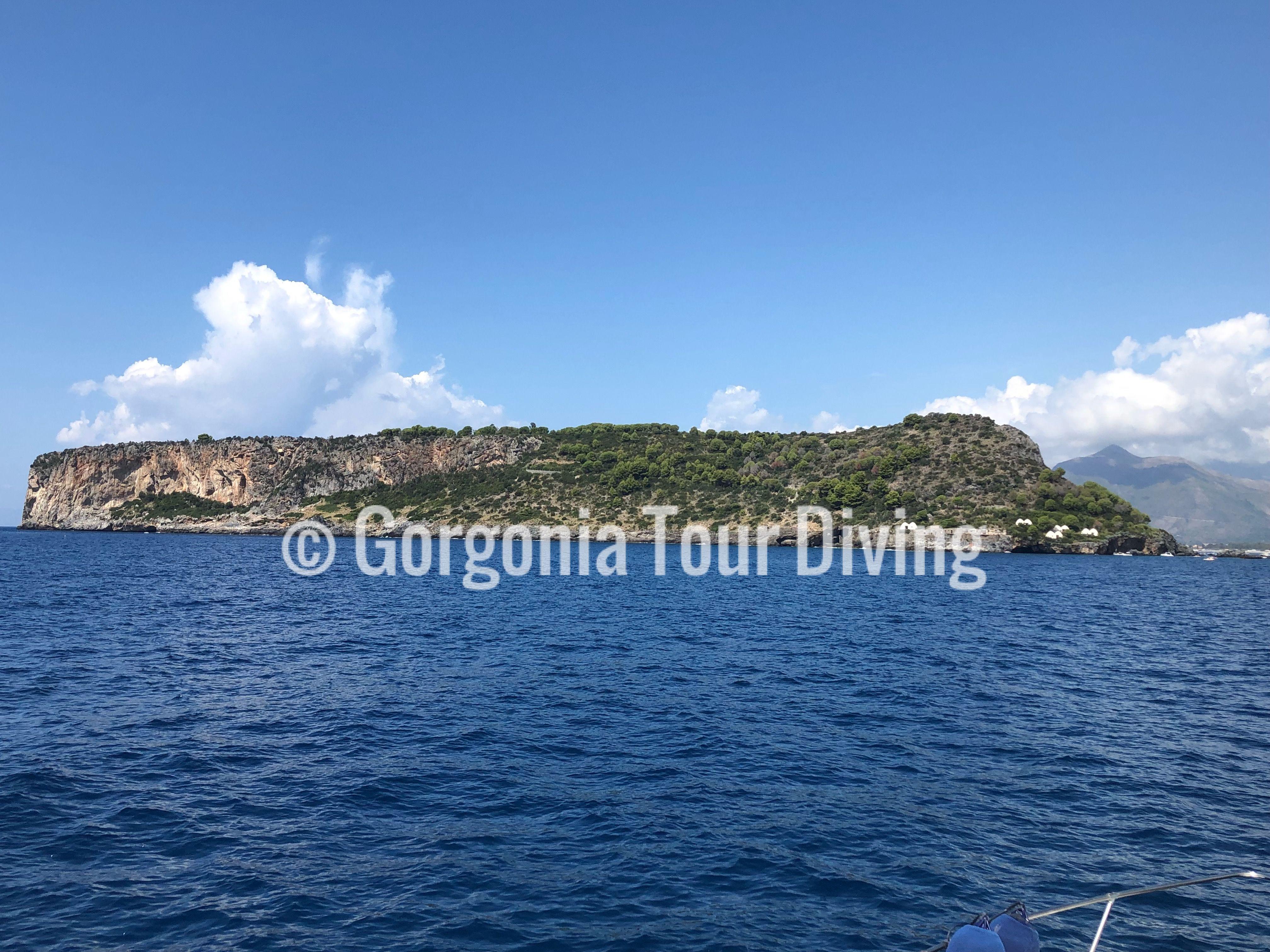 Questa Destinazione Vi Coinvolge Un Intera Giornata In Barca Verso