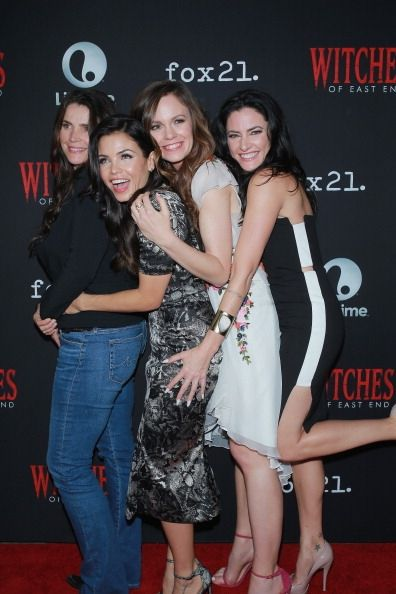 Witches Of East End Saison 3 : witches, saison, Witches, Season, Renewal:, Gives, Details, Bring, Series, [VIDEO], Julia, Ormond,, Witch