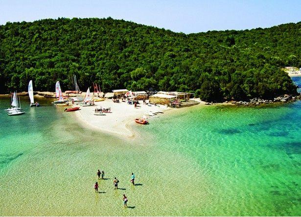 Spiaggia di Sivota, Epiro in Grecia immagini-divertenti.org