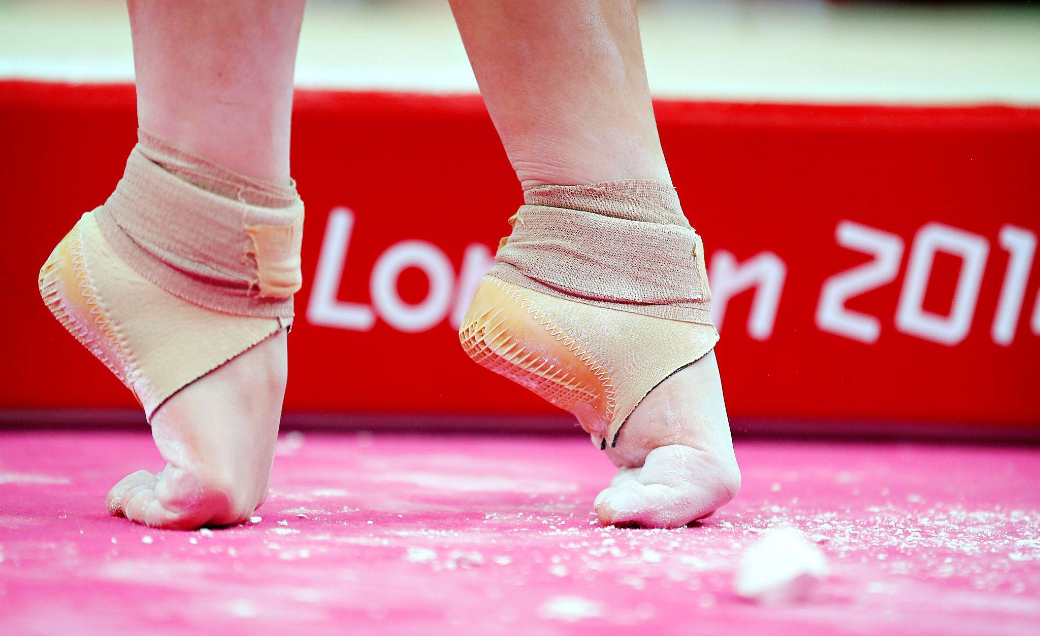 Фото пальцев ног гимнасток
