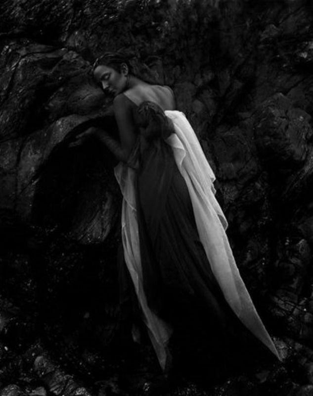 Madness: Helen Warner photography Model Die Hexen