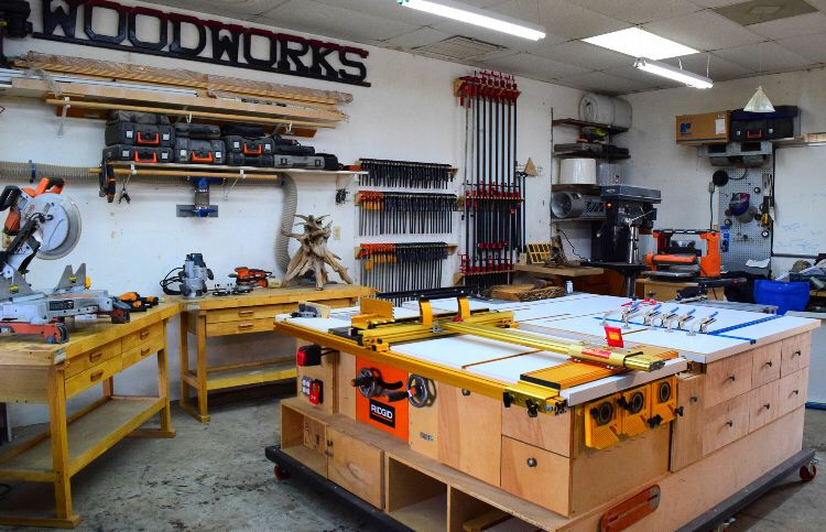Custom-built table saw / router table / woodworking