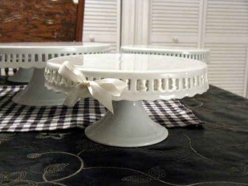 Ribbon Cake Plate. Great for wedding or baby shower & Ribbon Cake Plate. Great for wedding or baby shower | Breakables ...
