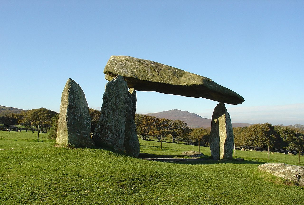 Pentre Ifan Wikipedia (With images) Celtic myth