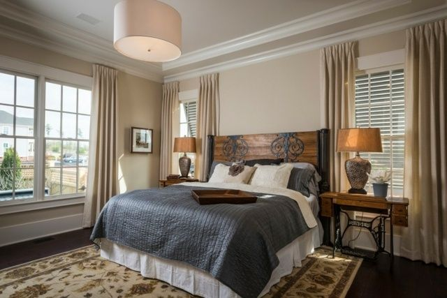 Bett Kopfteil alte Tür Schlafzimmer rustikal einrichten Landhausstil ...