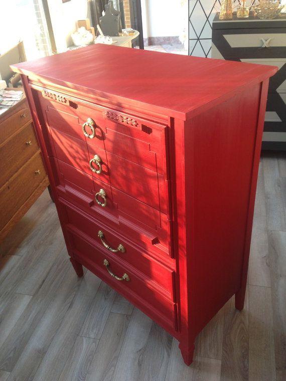 Vendu Commode 5 Tiroirs Style Hollywood Regency Red Gold By Aube Design Mobilier De Salon Tiroir Et Decoration