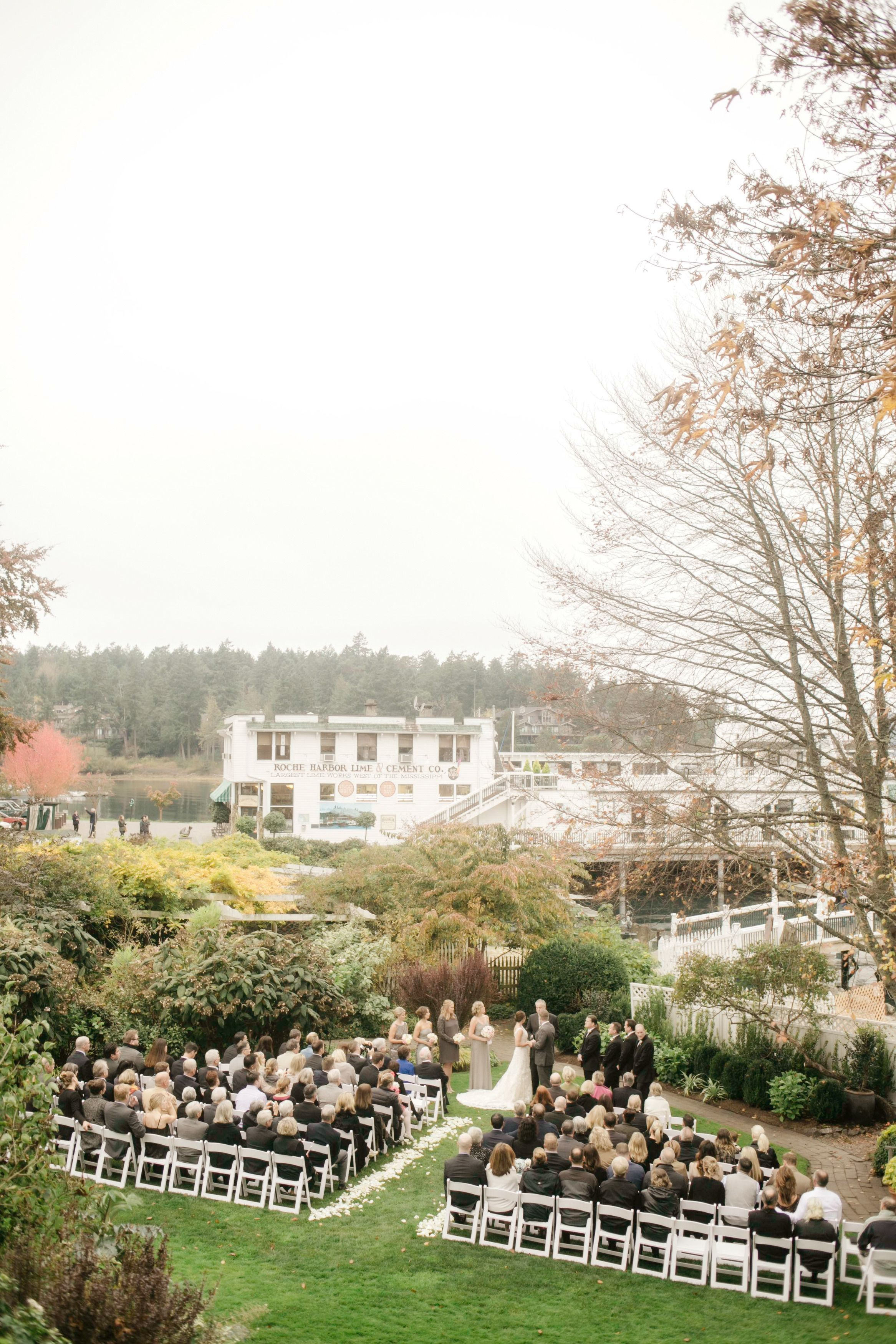 Rhodes Photography Catherinerhodesphotography Read More Http Www Stylemepretty Northwest Weddings 2017 04 17 San Juan Island Wedding Day