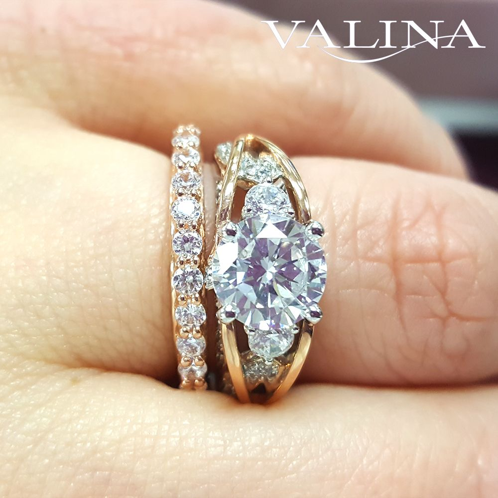 Valina Bridals Diamond crisscross engagement ring