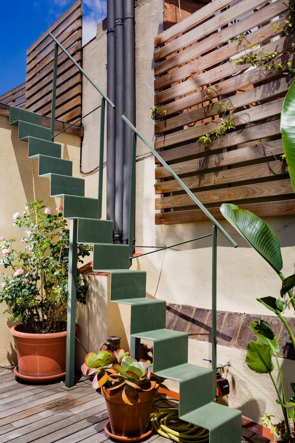 Origami Stair Roof Terrace In Barcelona Pergola Shade Diy Outdoor Stairs Roof Terrace