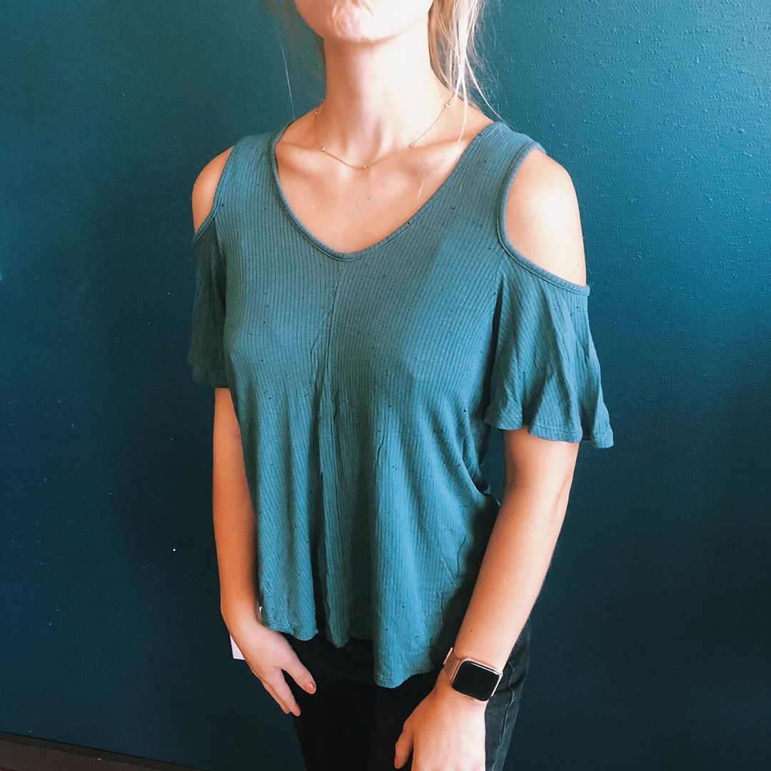 Teal Shoulder Cut-Out Top size M from tjmax $6 + shipping DM TO PURCHASE local pickup at marquette . . .