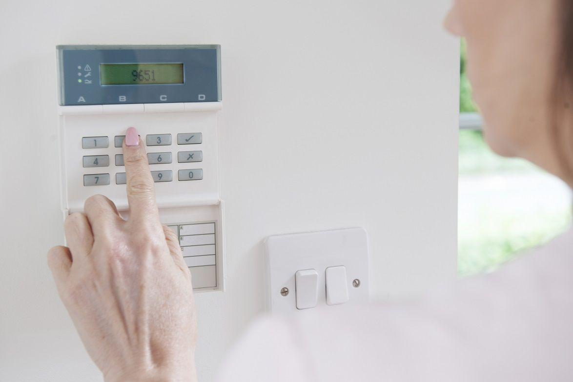 Security Camera Systems Edmonton Business Alarm Systems Alberta Home Security Systems Best Home Security System Best Security Cameras