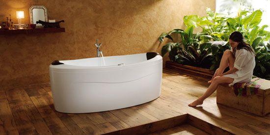 Een badkamer met een houten vloer. - 3.1 Badkamer & toilet * HOME ...