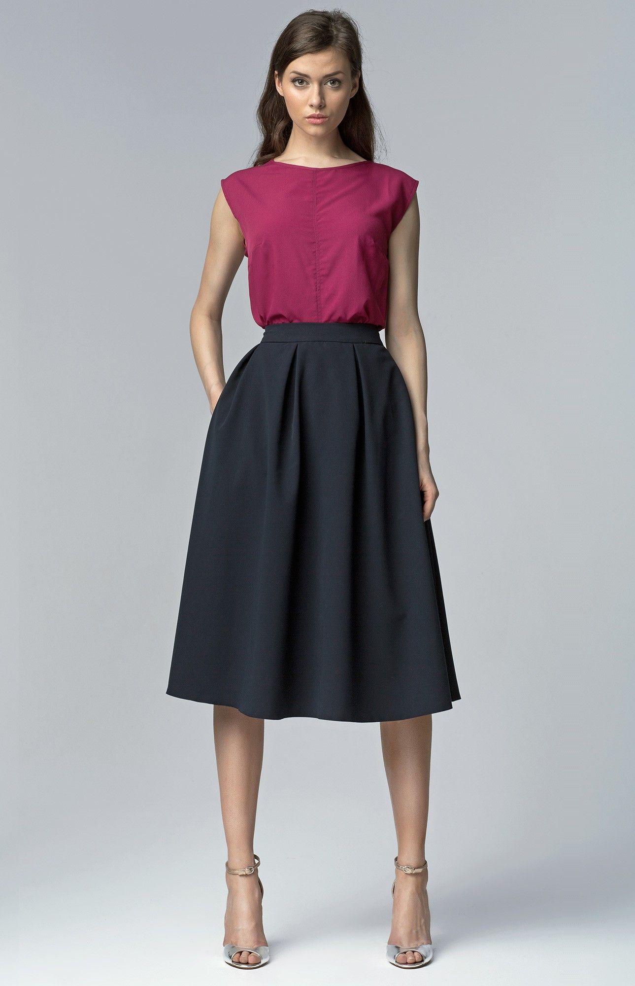 Jupe ample bleu marine, Jolie jupe évasée très chic.Adoptez cette jolie jupe  élégante pour le bureau ou pour sortir. La belle ampleur et la taille  ceinturée ... ca2bc70068a