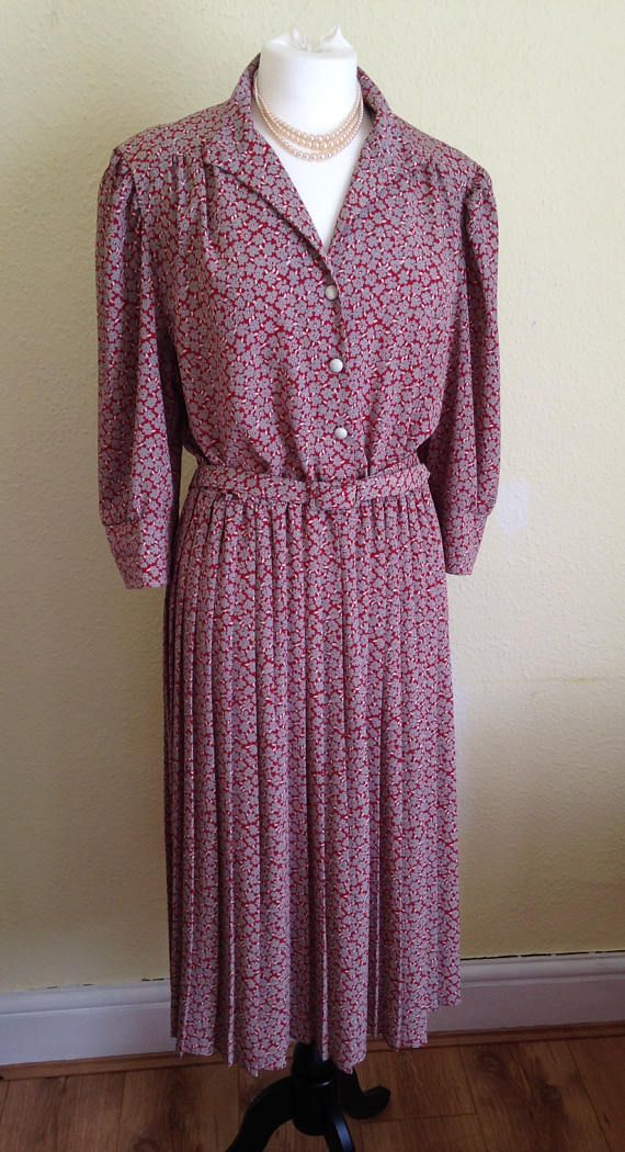 RESERVED 1940s Style Shirt Dress with Wing Collar and Knife Pleats ...