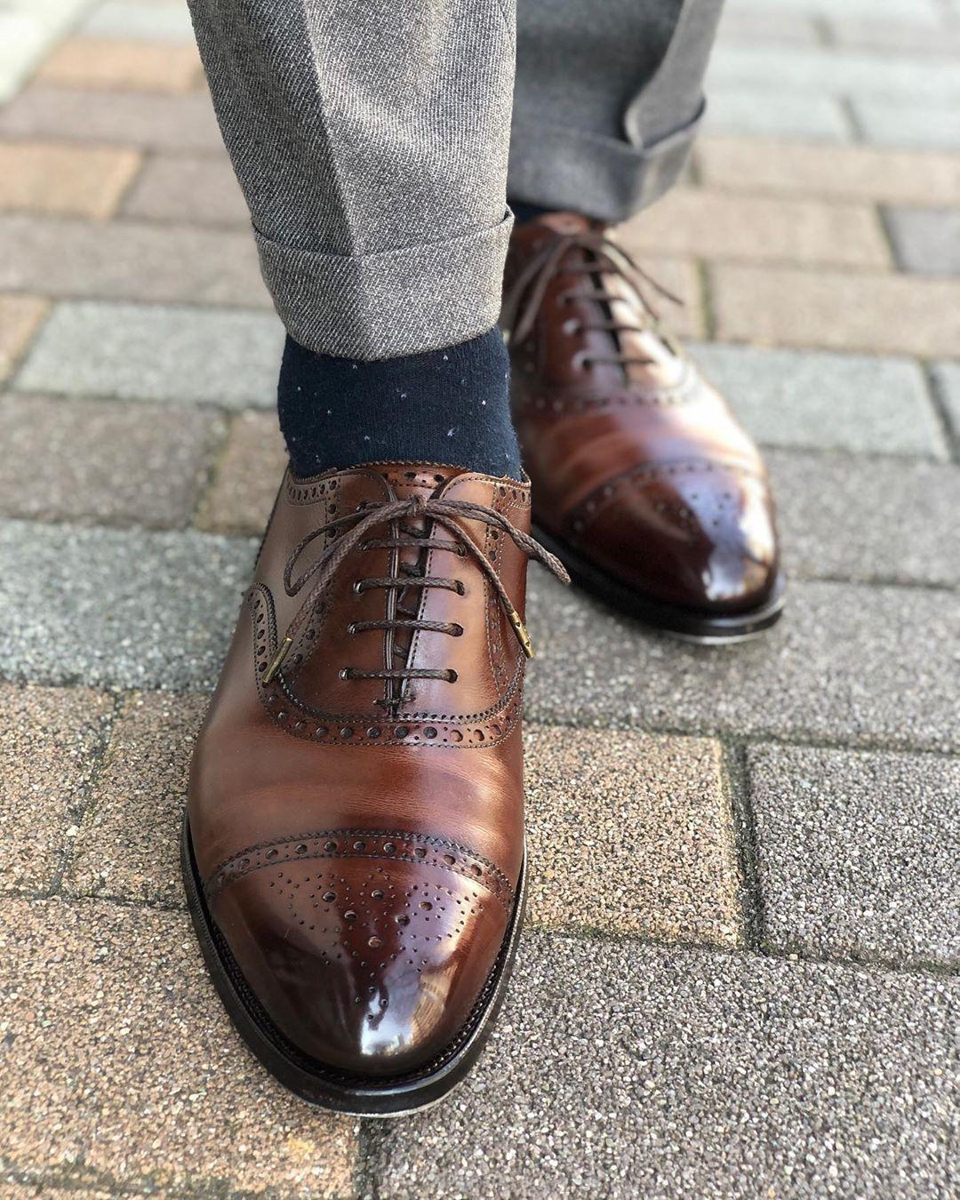 靴 磨き の 少年 靴磨き革靴の磨き方,鏡面磨き方法【銀座大賀靴工房】