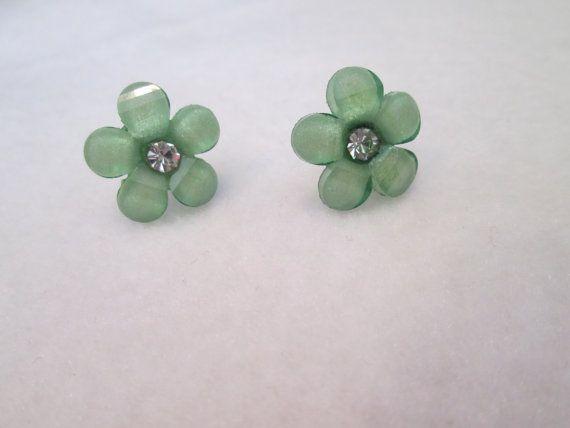 Free Shipping Green flower women's earrings by MarysRemedies, $7.00