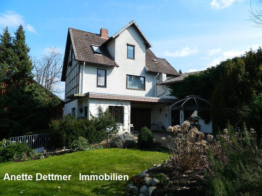 Dettmer Immobilien verkauft einfamilienhaus mit scheune in alfeld ot föhrste weitere