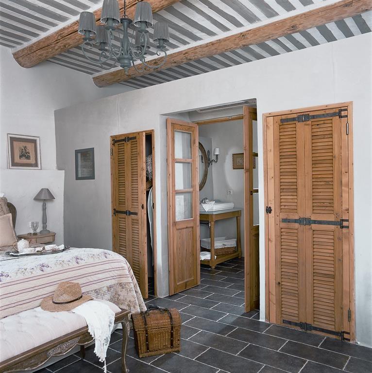Grey and beige counstryside bedroom chambre de campagne aux nuances de gris et beige bedroom - Chambre grise et beige ...