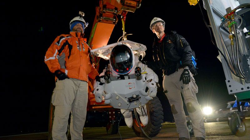 Google Vp Breaks High Altitude Skydiving Record Skydiving Suit