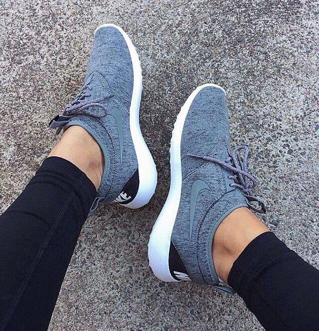 Horoscope FREE Reading on   Nike free shoes, Workout shoes