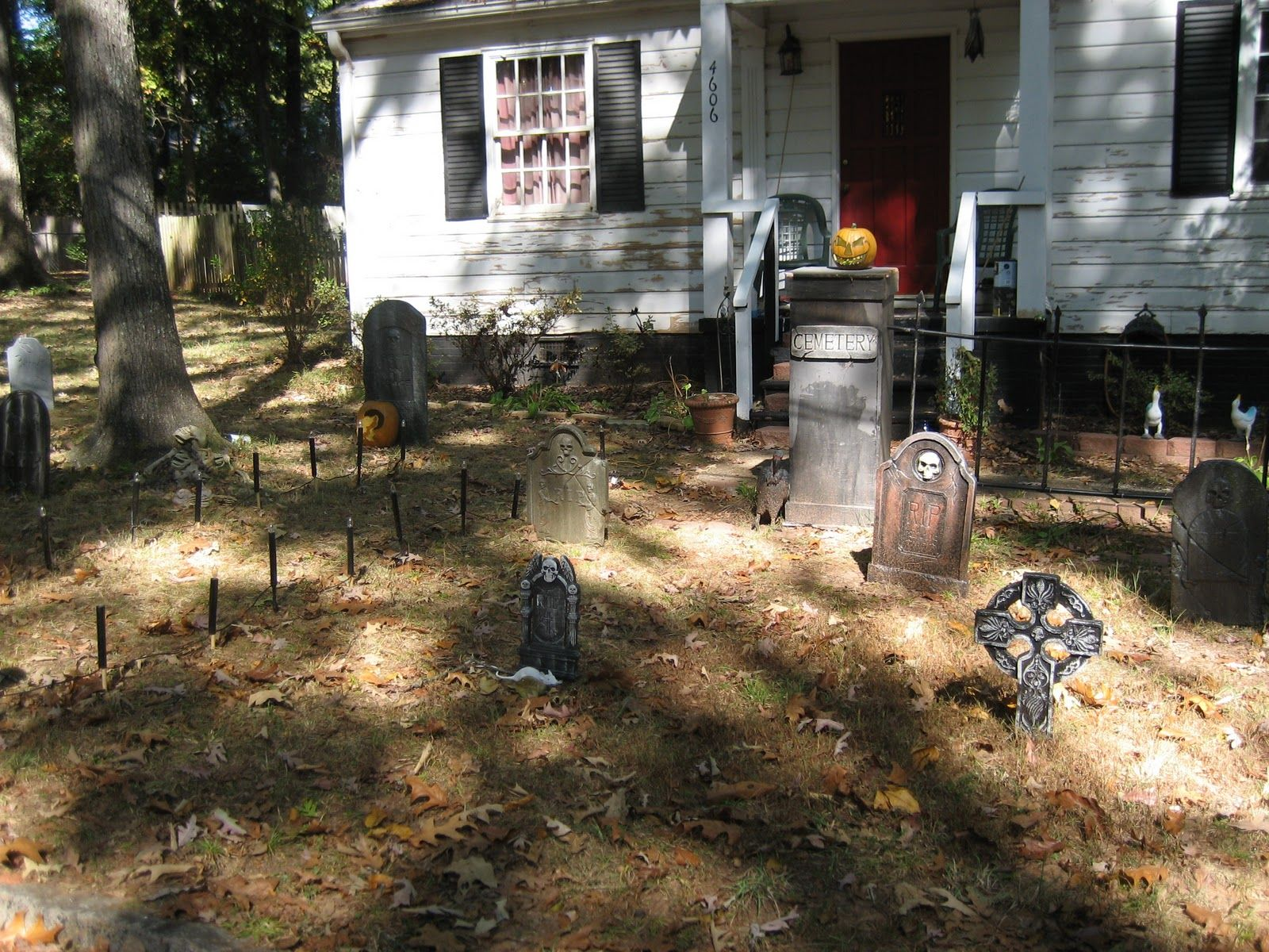 Front Yard Halloween Ideas Part - 37: Front Yard Halloween Decorations | Front Yard Halloween Decorations