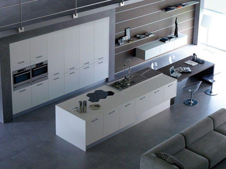 Asselle mobili ~ Cucina laccata con isola con maniglie avantgarde 1 collezione