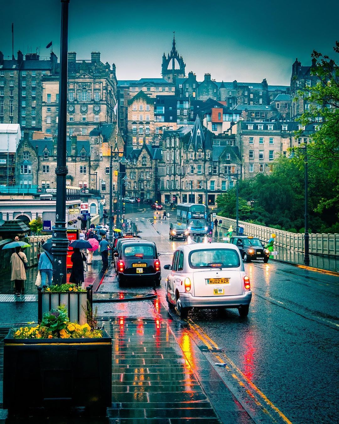 """Moumita   Edinburgh   Scotland on Instagram: """"A rainy evening in Edinburgh .🏴 . . . . #thisisscotland #scotlandlover #cpfeatureme #igersedinburgh #hello_worldpics #mylpguide…"""""""