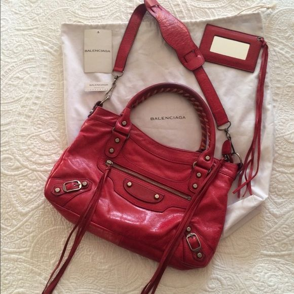 f954c7399b4 Authentic Balenciaga handbag, the first 2-way bag! Beautiful Balenciaga  handbag only used a few times! Balenciaga Bags Shoulder Bags
