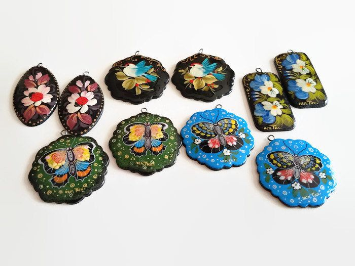 Russian Lacquer Paper Mache Pendant, 2 piece - Earrings, Small Pendants, Jewelry Making, Spring, Handmade by offthebeadingpathva on Etsy