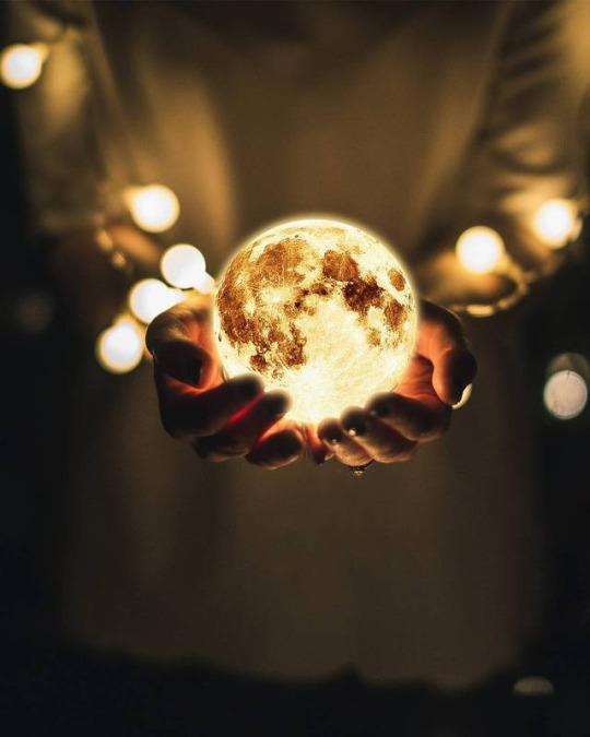 Tumblr Est Un Lieu Ou Vous Pouvez Vous Exprimer Apprendre A Vous Connaitre Et Creer Des Lien In 2021 Moon Photography Cool Pictures For Wallpaper Fantasy Photography